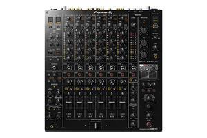 Pioneer DJM-V10.jpg