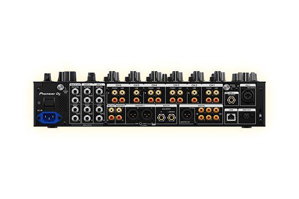 Pioneer DJM-V10_2.jpg
