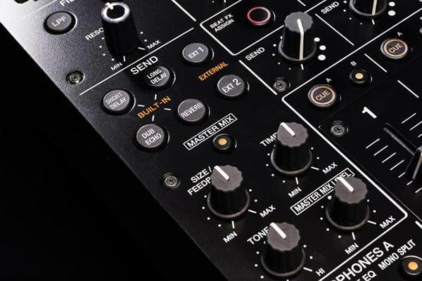 Pioneer DJM-V10_3.jpg
