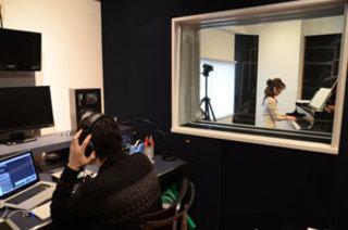 【ぶらあぼ記事】スタインウェイのフルコン常設のスタジオで録音