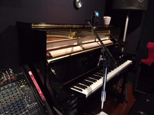 赤坂店4Ast|ボーカル・ピアノレコーディングフォト02
