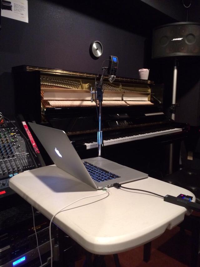 赤坂店4Ast|ボーカル・ピアノレコーディングフォト01