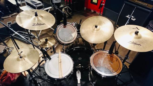 【渋谷1号店】ドラム・ベース レコーディングフォト01