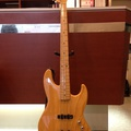 Fender JAZZ BASS(写真1)