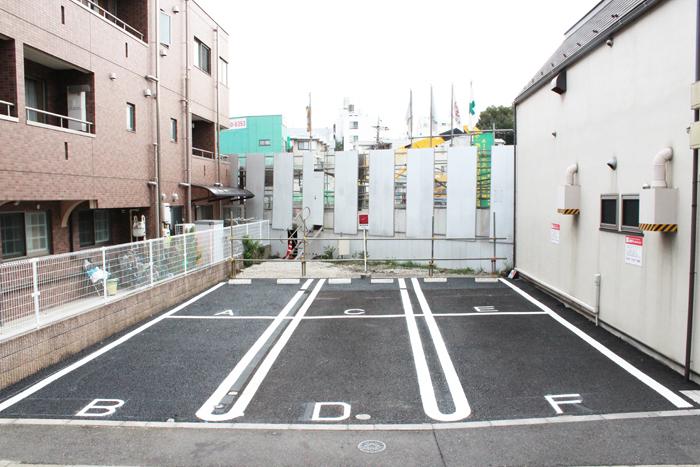 13.10_shimokita_parking.jpg