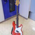 FENDER JAPAN PRECISION BASS(写真1)
